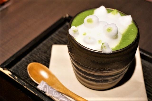 究極の抹茶わらび餅!?京都・茶寮翠泉の出来立てわらび餅に身も心もとろける