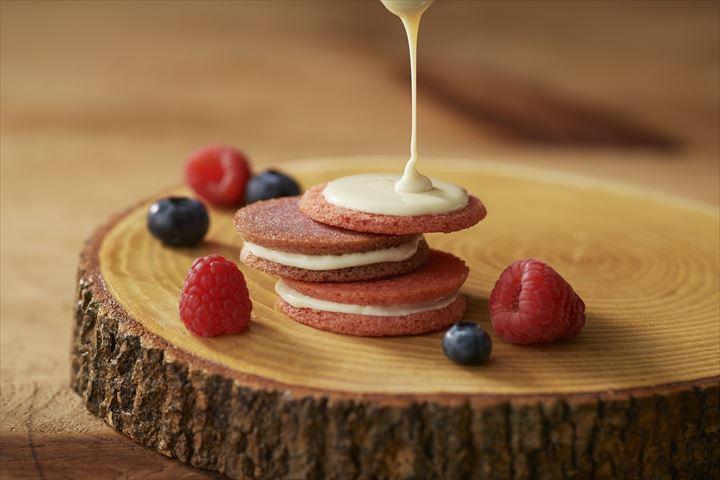 新宿中村屋のネオベリーシリーズからベリー味のサクサククッキーが新登場