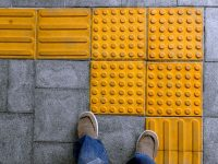 【日本発祥特集】日本が生んだ発明は世界のスタンダートへ!点字ブロックの知られざる歴史