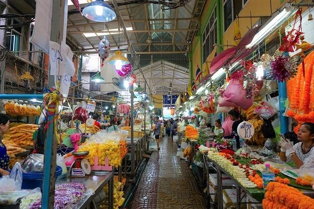 ちょっとディープなバンコク旅、バンコク最大の花市場「パーククローン市場」を散策