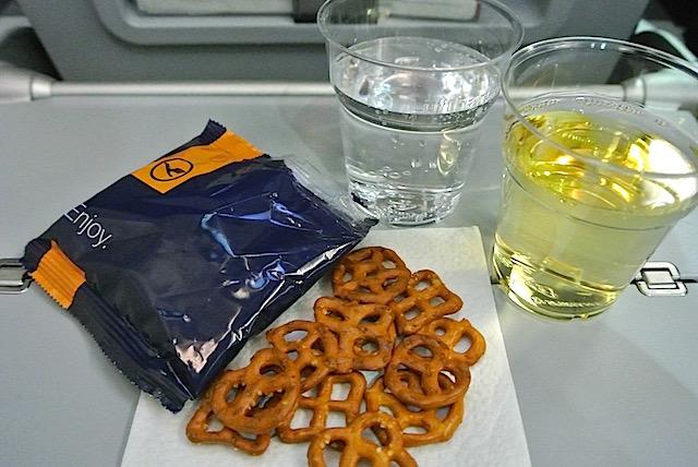 【機内食で世界巡り】ミュンヘン〜東京「ルフトハンザドイツ航空」エコノミークラス
