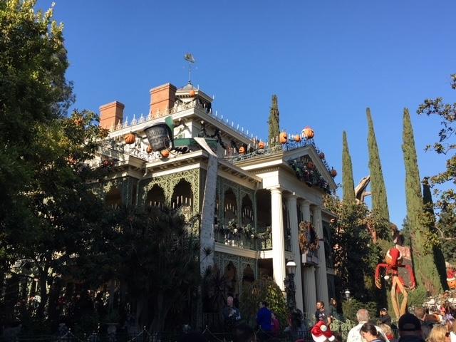 ホリデームード満載! カリフォルニア ディズニーランド・リゾート体験記