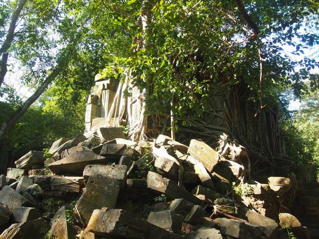 アンコールワットだけじゃなかった!素晴らしすぎるカンボジアの郊外の遺跡3選