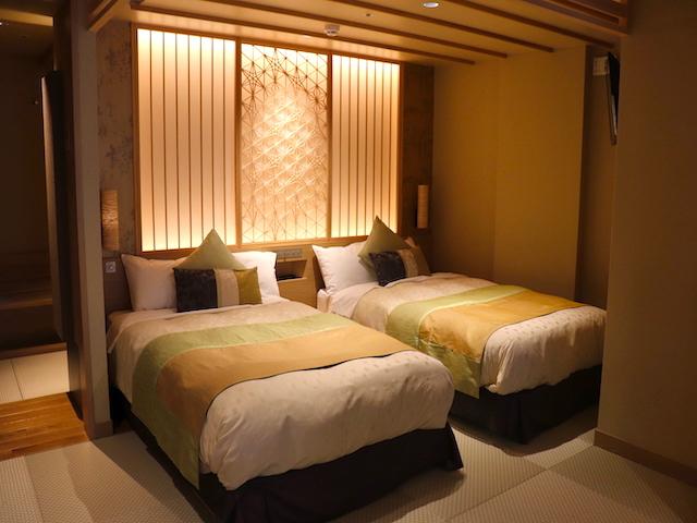 あさやホテル 秀峰館最上階眺望風呂付 和洋室「雅」ベッド