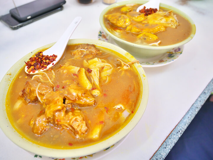 マカオ「金城」カレー麺