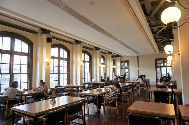 台湾「CAFE1911」内観