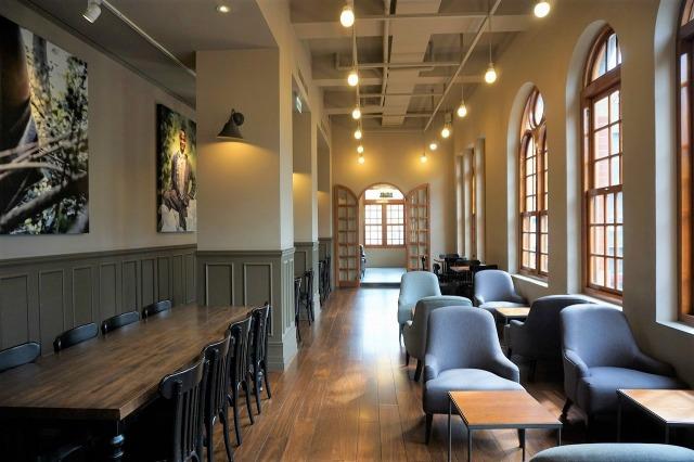 スターバックスコーヒー保安門市 店内 テーブル席
