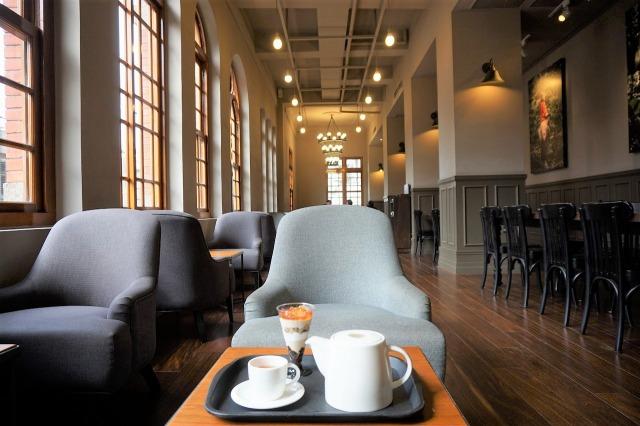 スターバックスコーヒー保安門市 店内一人がけソファ席