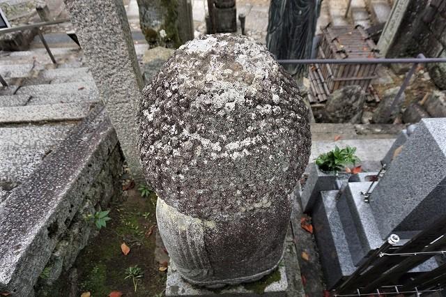京都「アフロ大仏」後ろ姿 金戒光明寺