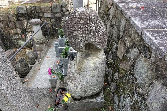 京都「アフロ大仏」斜め左上から 金戒光明寺