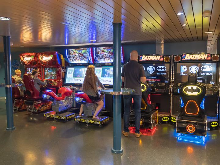 ヘルシンキのフェリー ゲームセンター