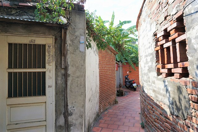 鹿港で最も有名な路地裏が、「九曲巷」