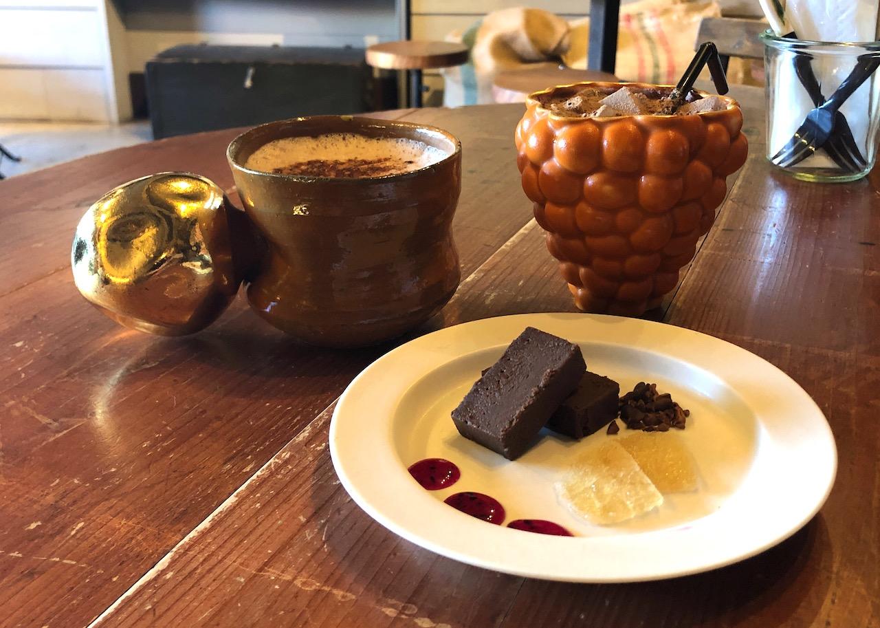 タイムレスチョコレート 自家製チョコレートドリンクとチョコレートテリーヌ