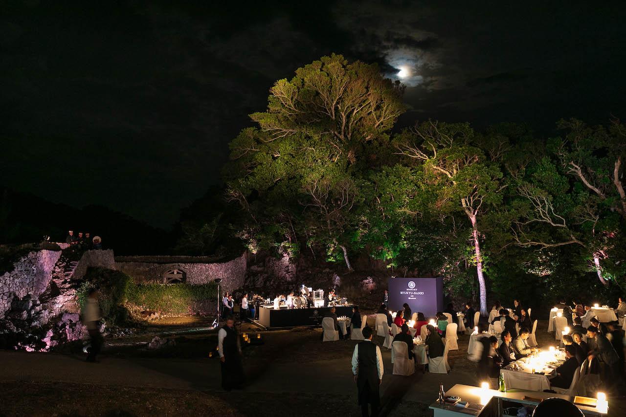 ダイニングアウト 琉球南城 知念城跡の風景