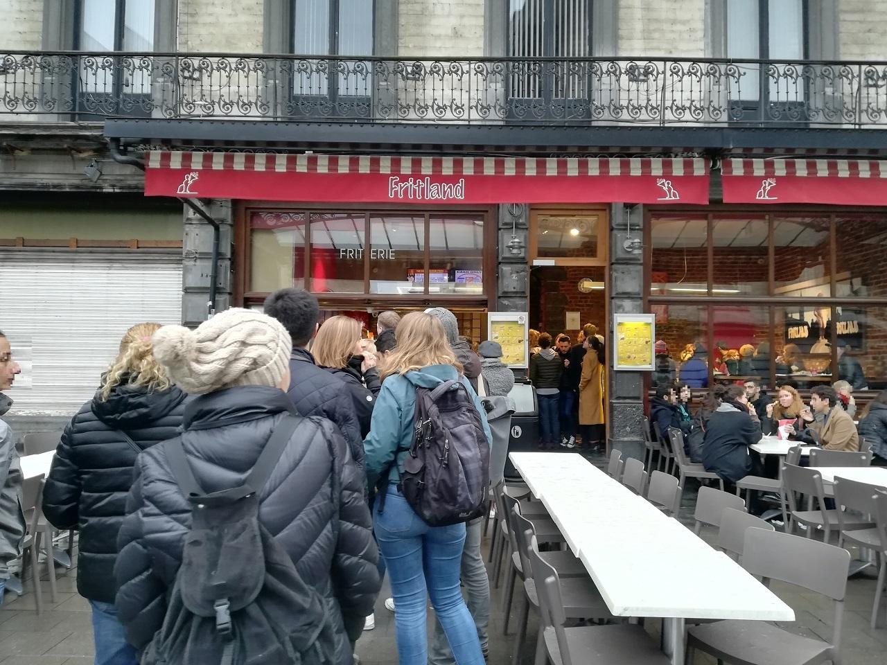 ベルギー ブリュッセル フリッツの行列