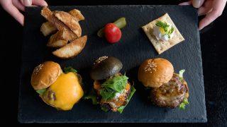 ZOCバーガー チーズ、てりやき餅、ラタトゥイユ