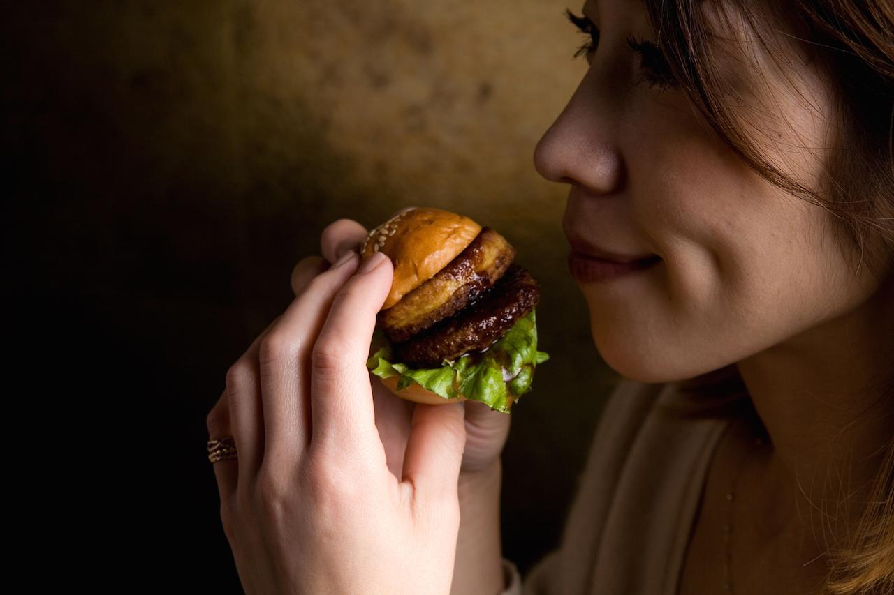 ZOCバーガー 女性にも食べやすい