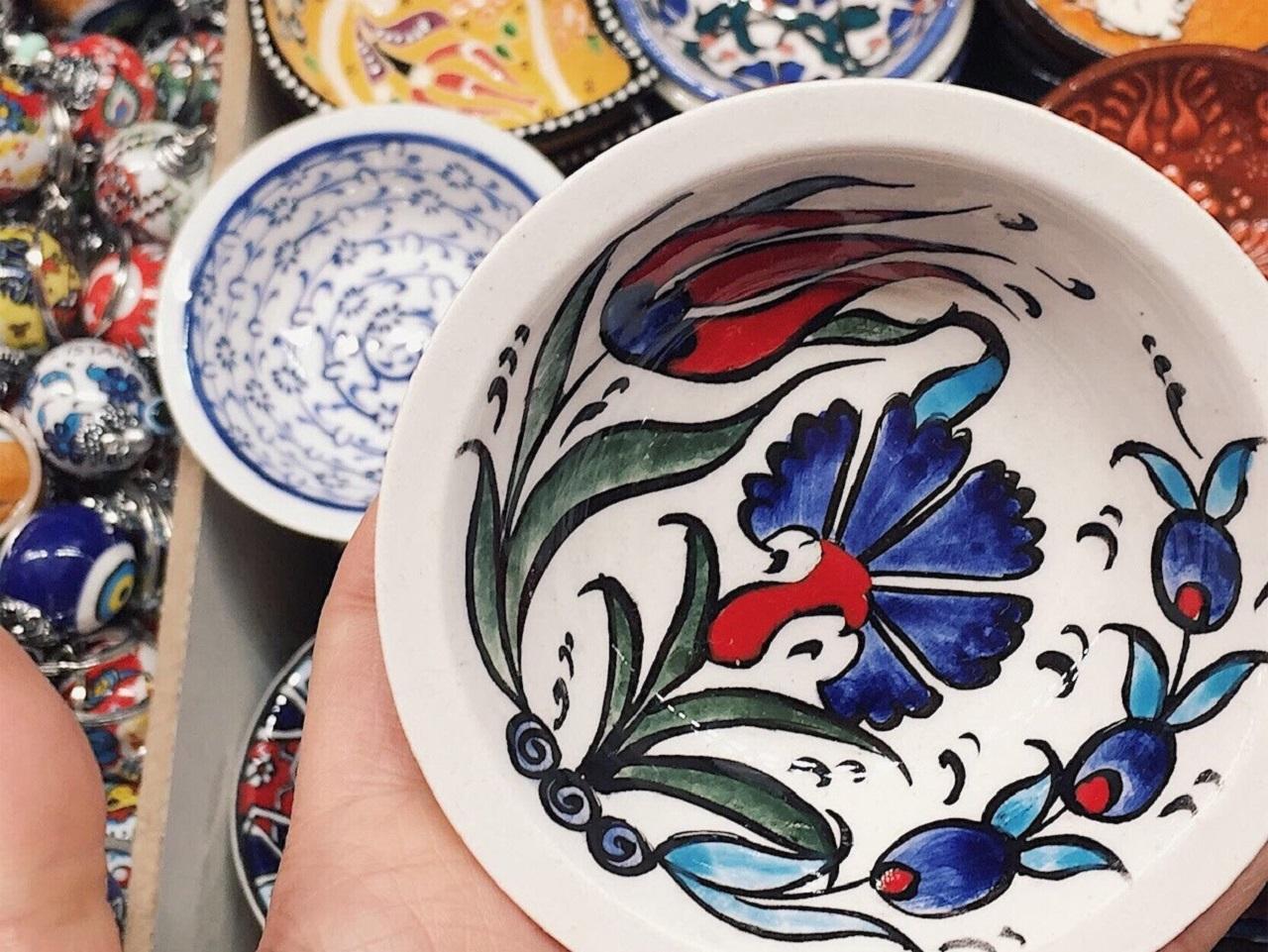 手のひらサイズの小皿