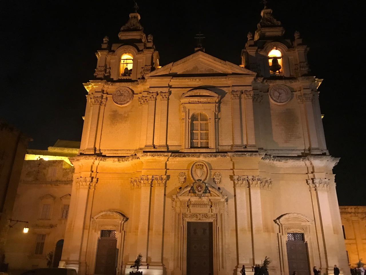 夜の聖パウロ大聖堂