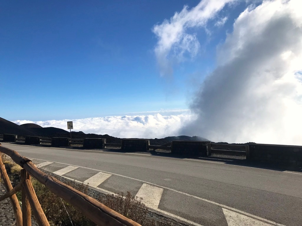 エトナ山の雲海