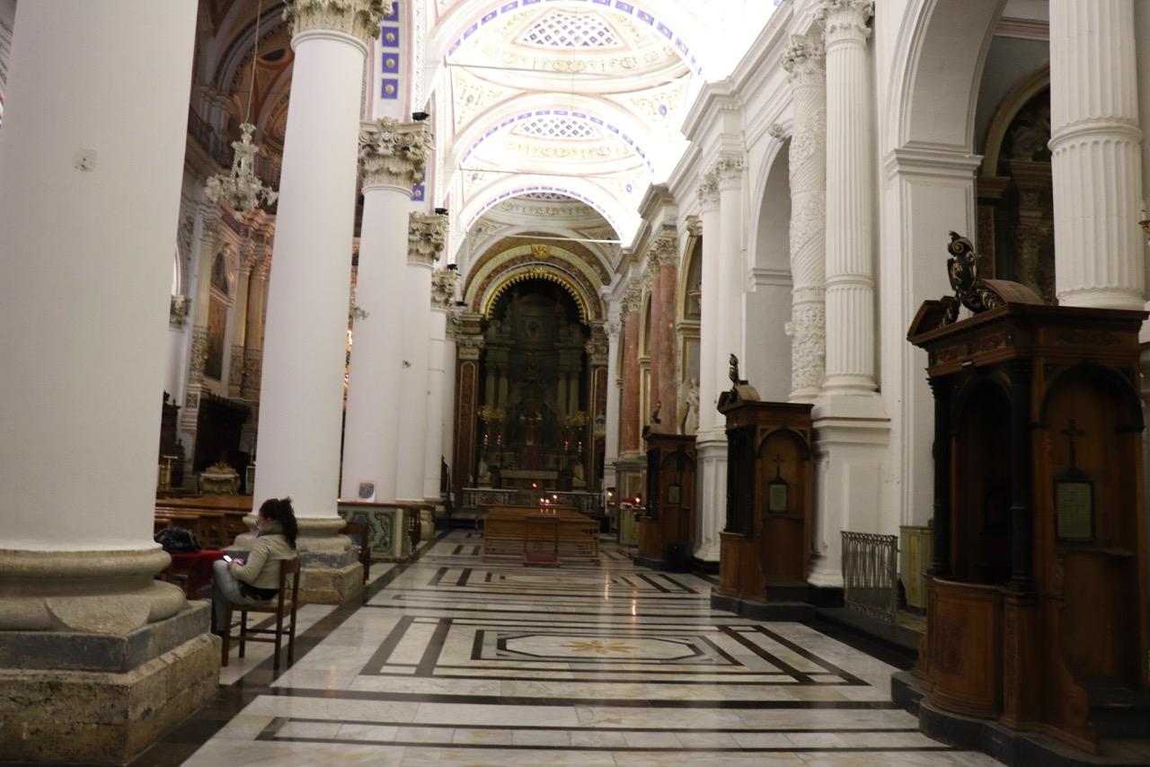 サン・ピエトロ教会の中
