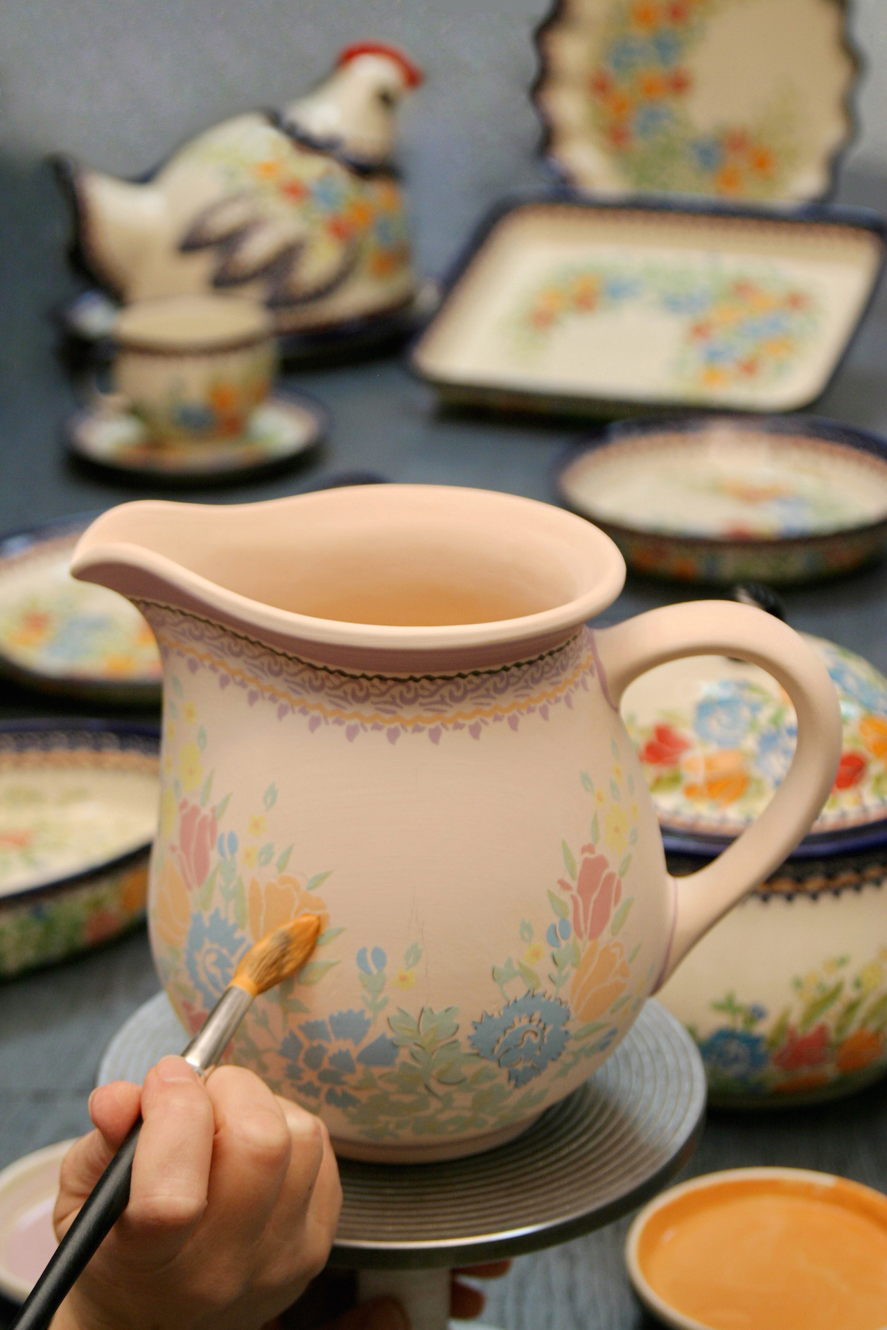 ボレスワヴィエツ クリーム色の陶器