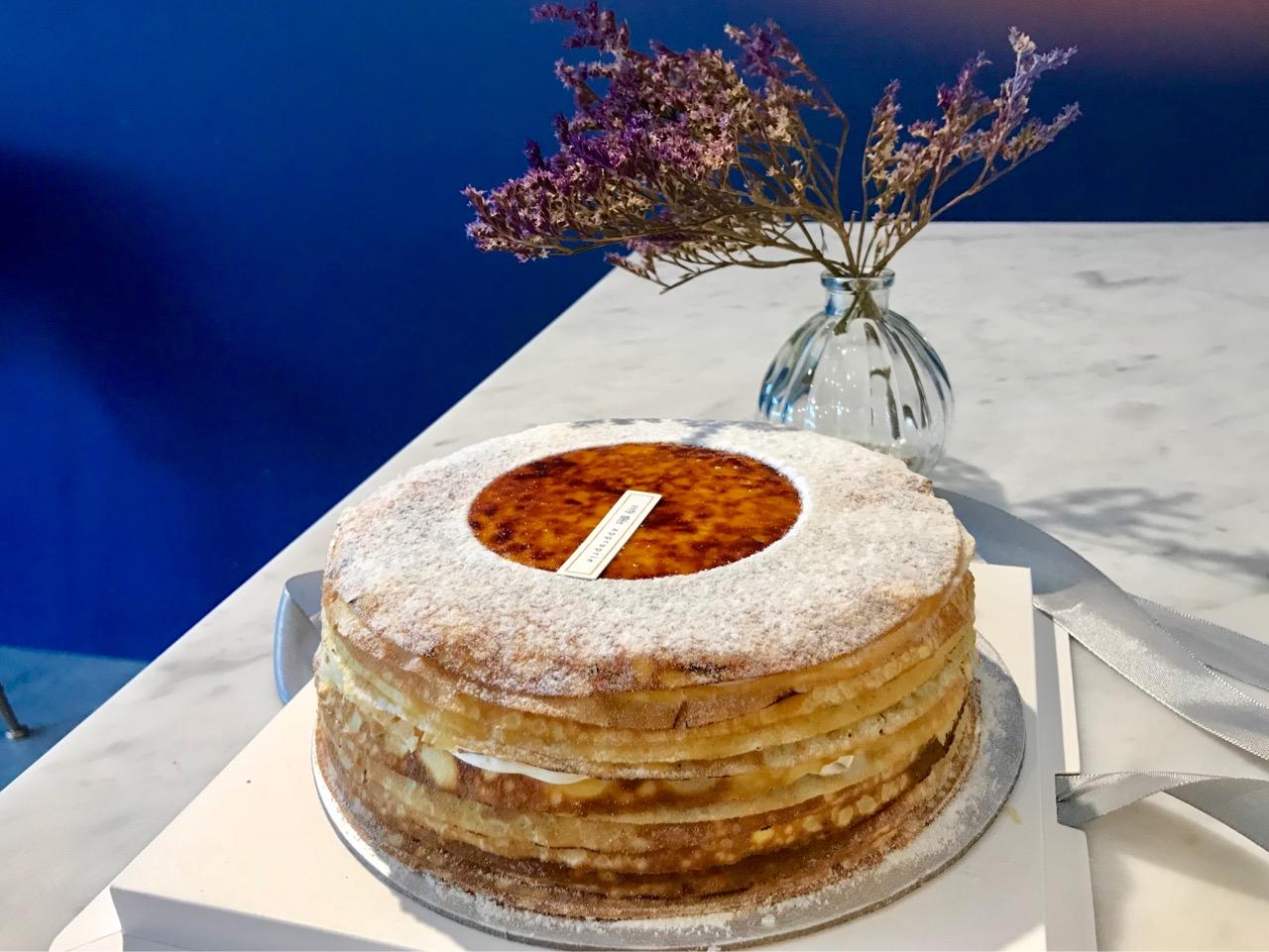 オリジナルのホールケーキ
