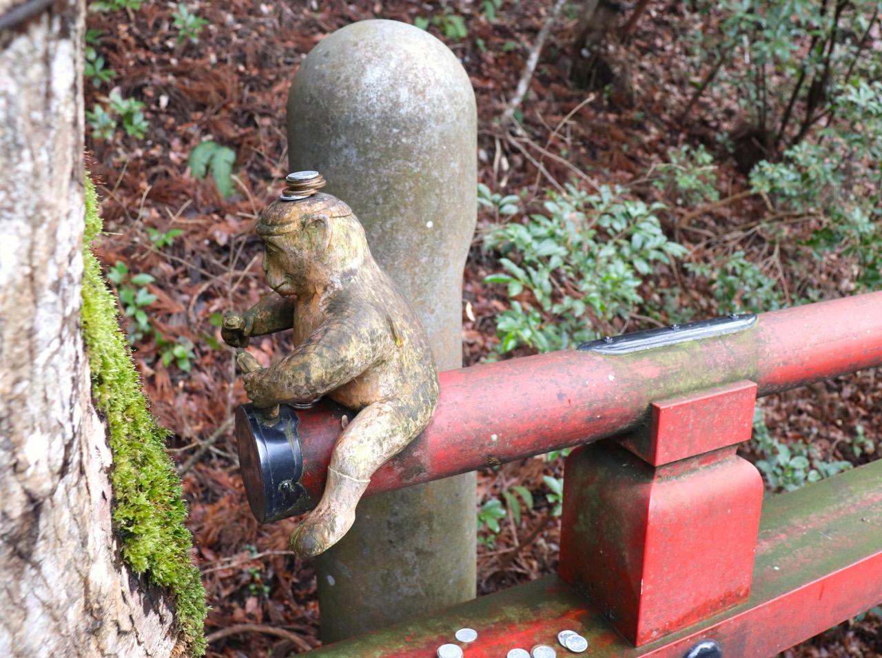 那谷寺の木組の猿