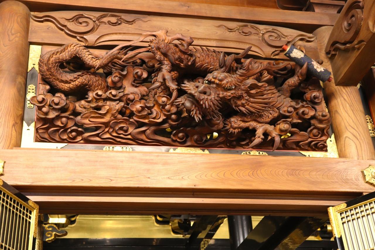 林西寺の龍の彫り物