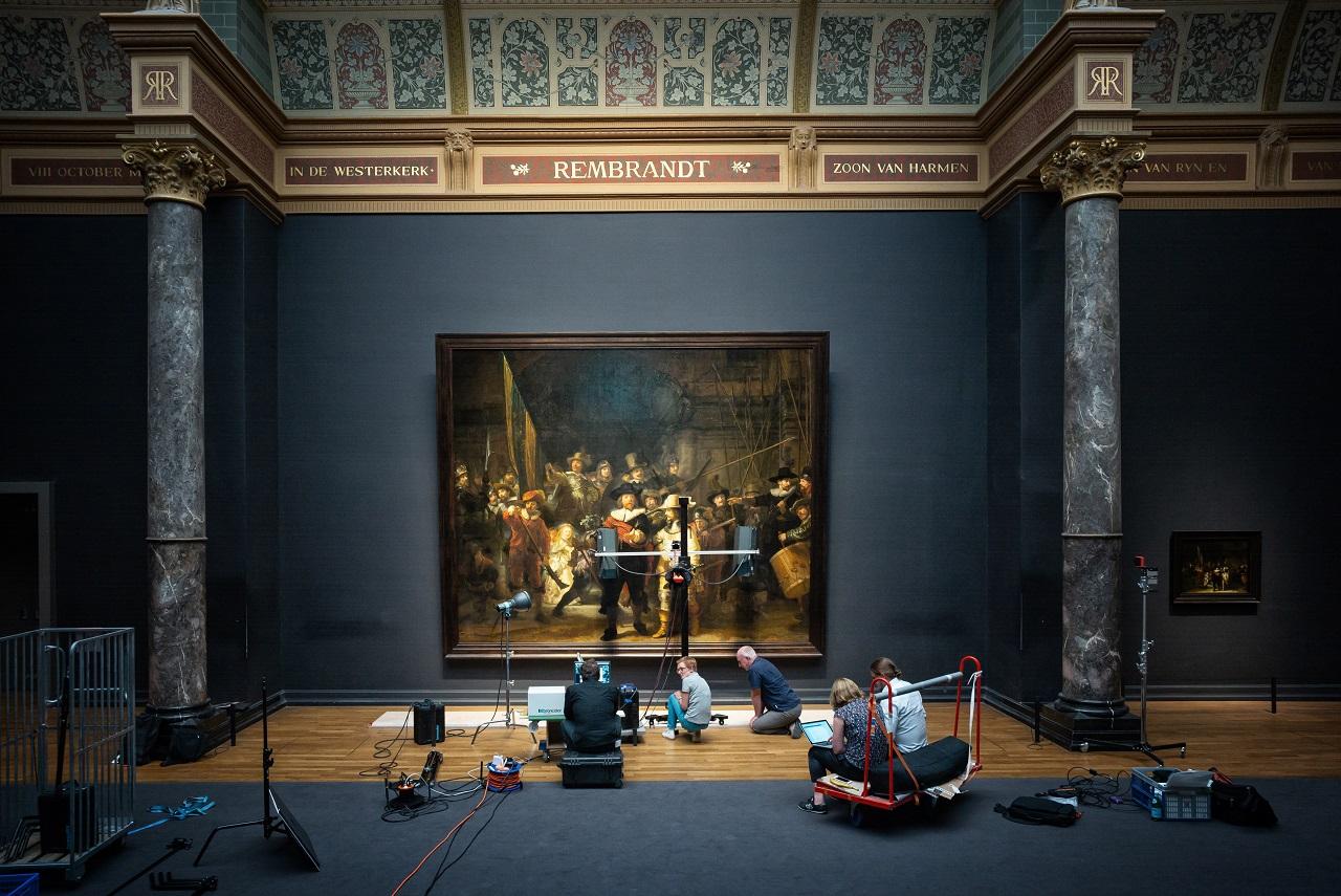 アムステルダム国立美術館での「夜警」事前調査 Photo Daniel Maissan