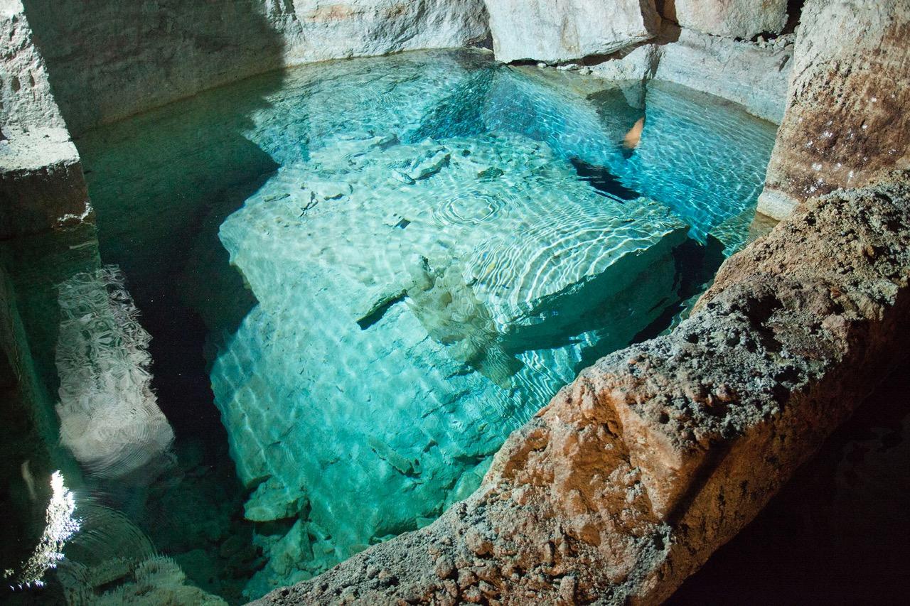 鵜川石切り場跡の地下水