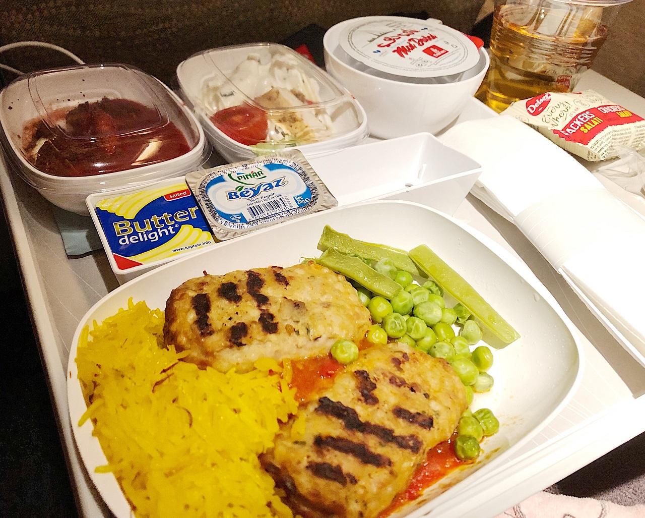 エミレーツ航空機内食 イスタンブール~ドバイ