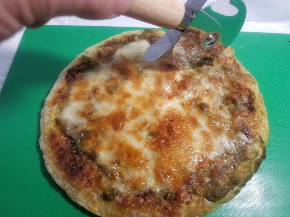 コスパ王『業務スーパー』のパラタで作る簡単手抜きピザが激ウマすぎる件