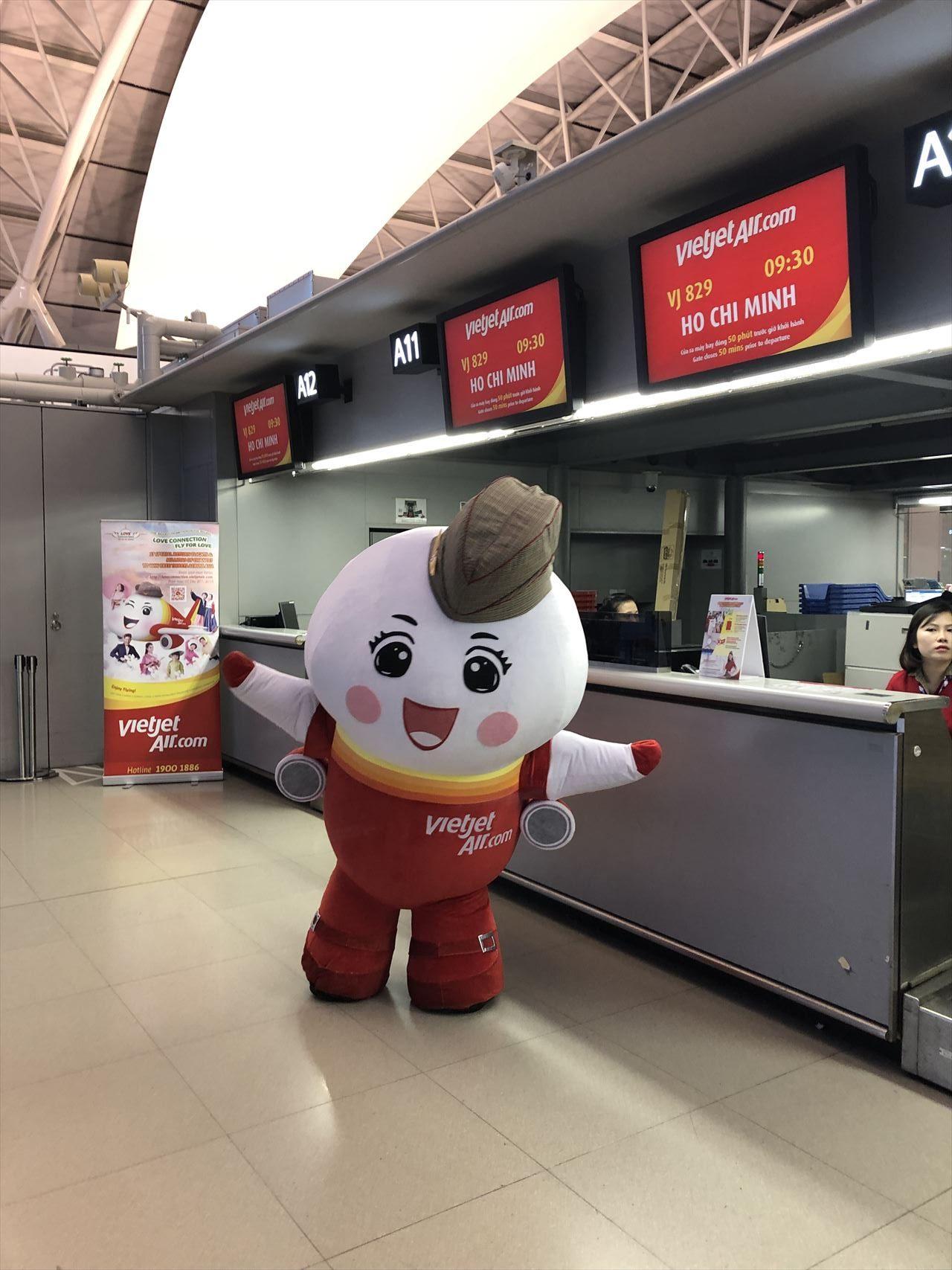 関西空港ベトジェットエアチェックインカウンター