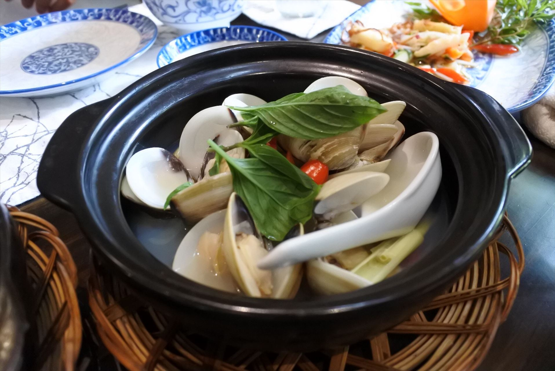 The Chopsticks Saigon ハマグリのレモングラス蒸し