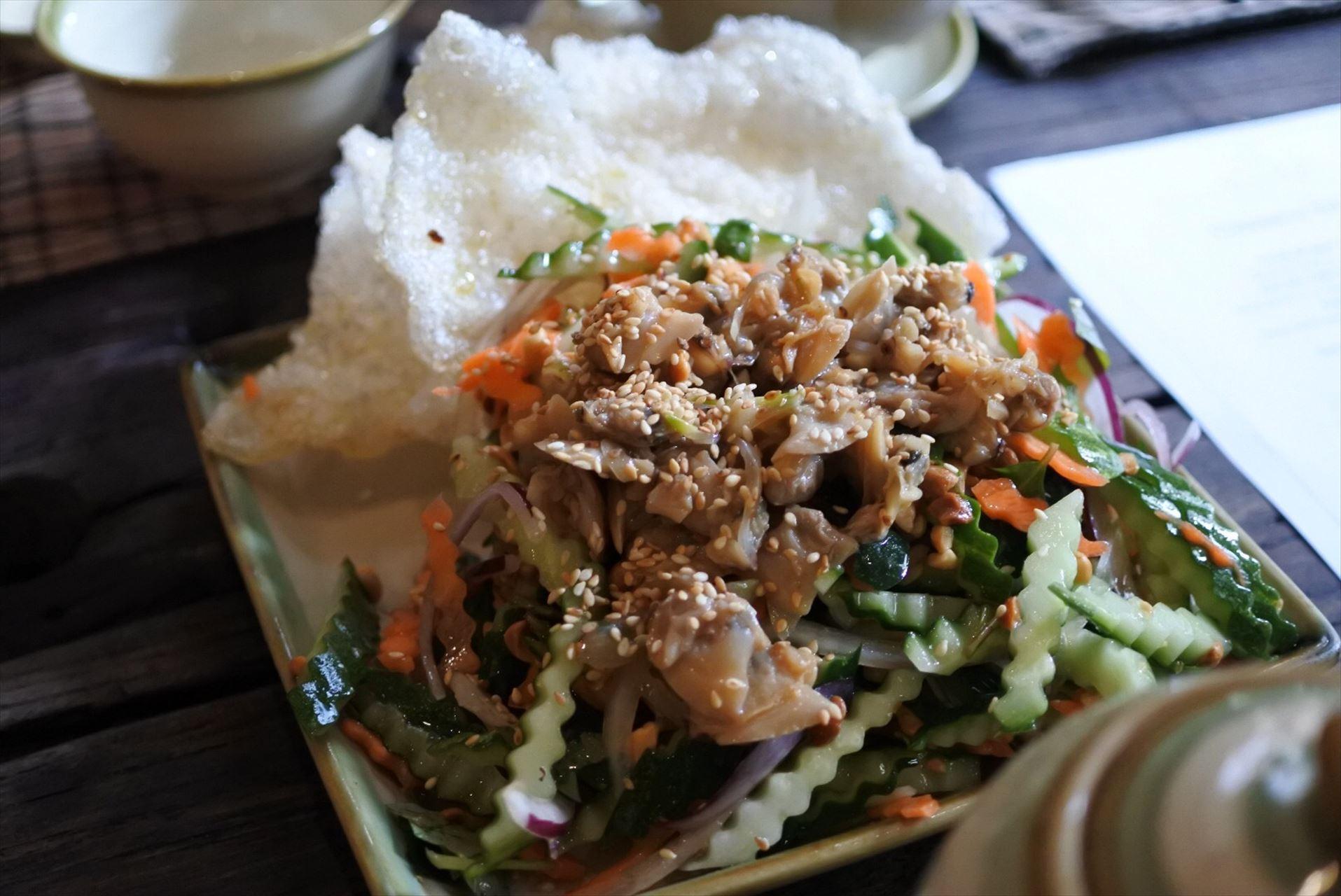 Home Vietnamese Restaurant 二枚貝と野菜のマリネ
