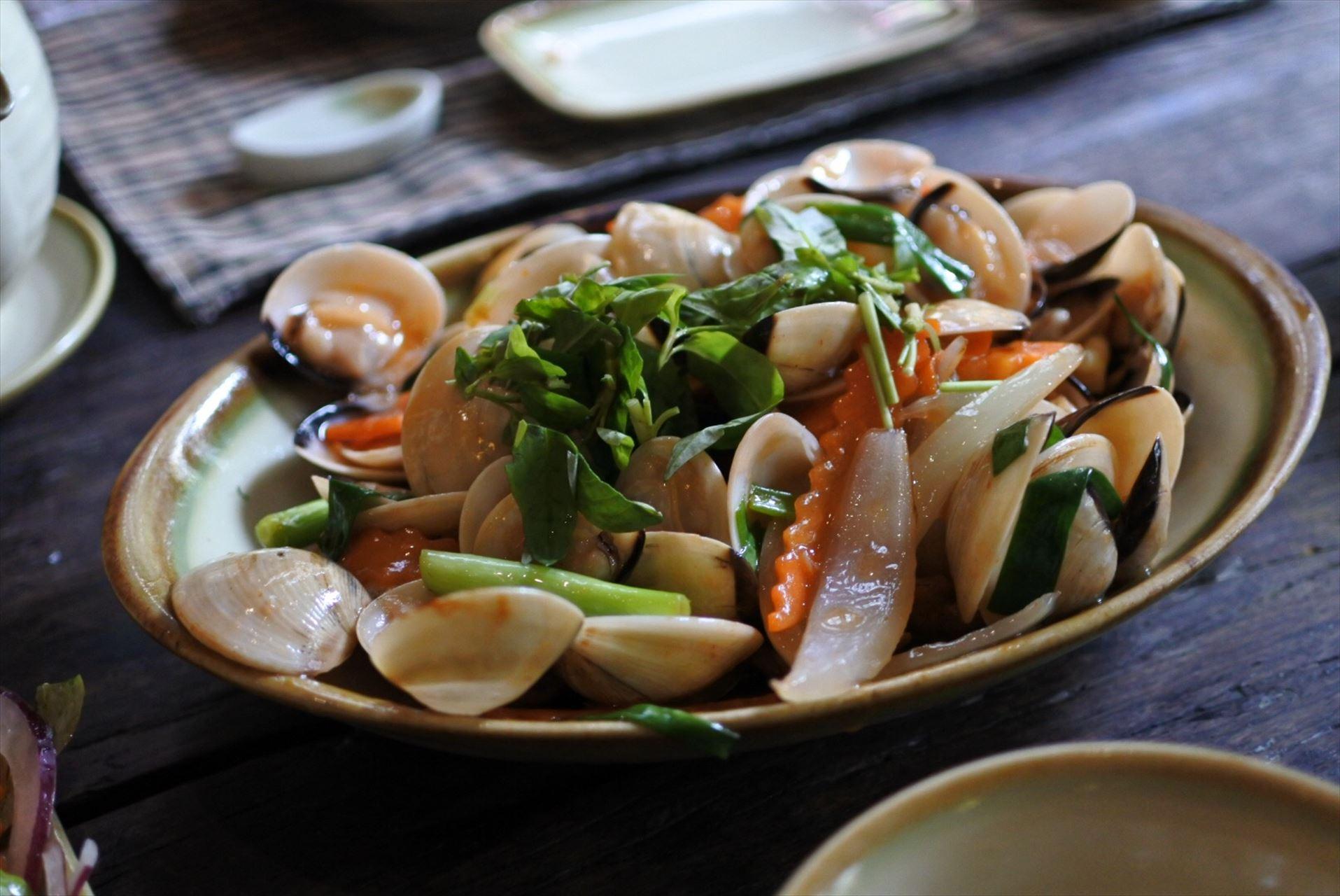 Home Vietnamese Restaurant アサリの炒め物