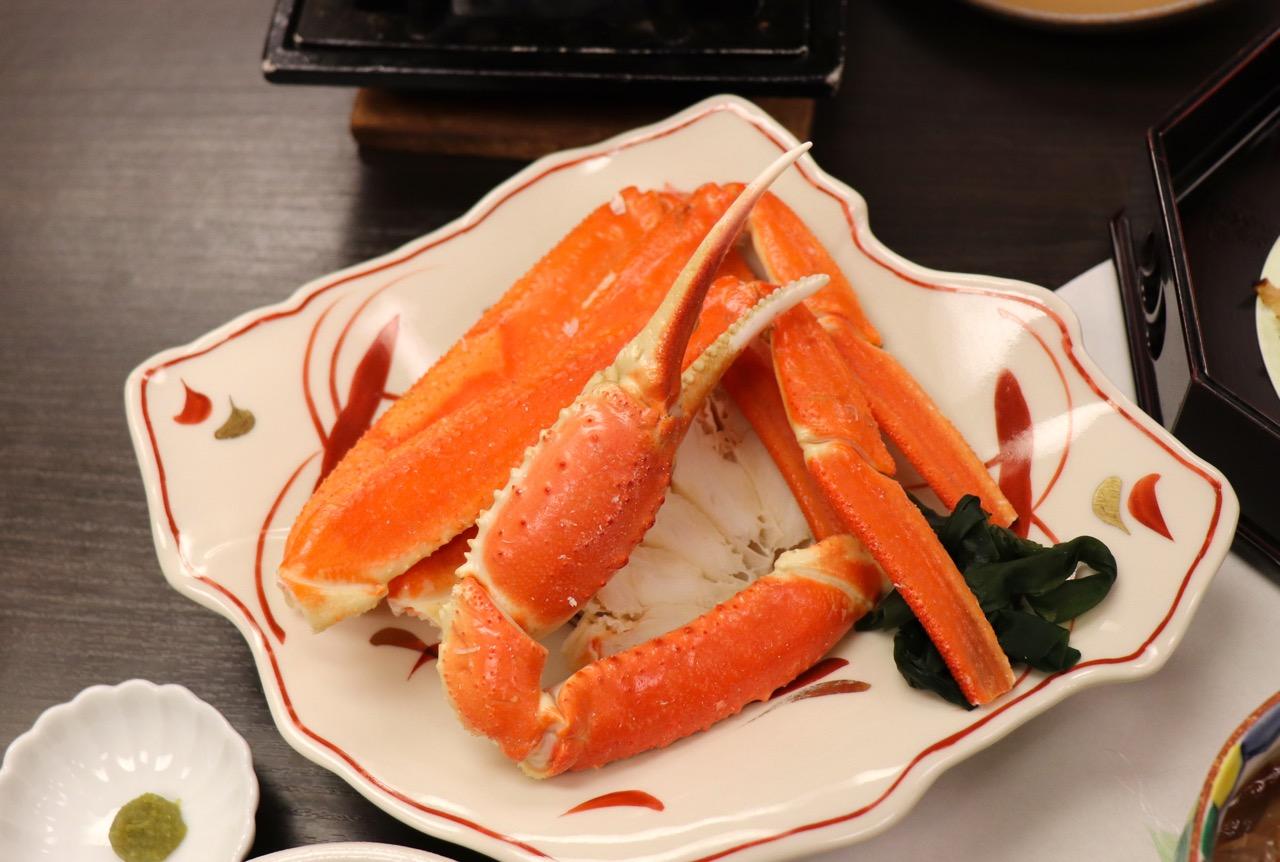 会席料理の酢の物のずわい蟹