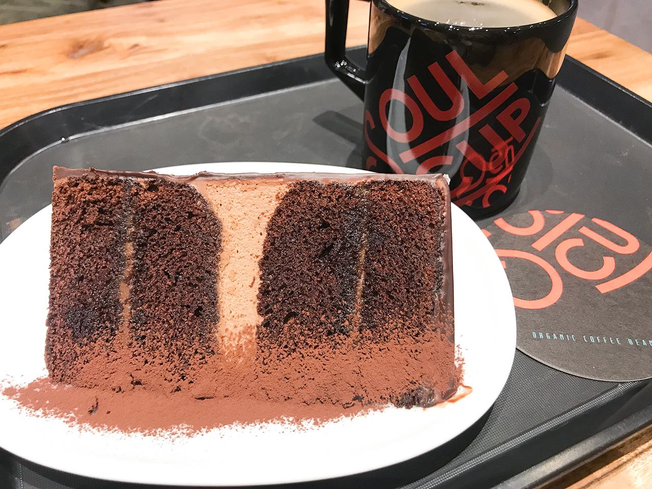 SOUL CUP チョコレートケーキとアメリカーノ