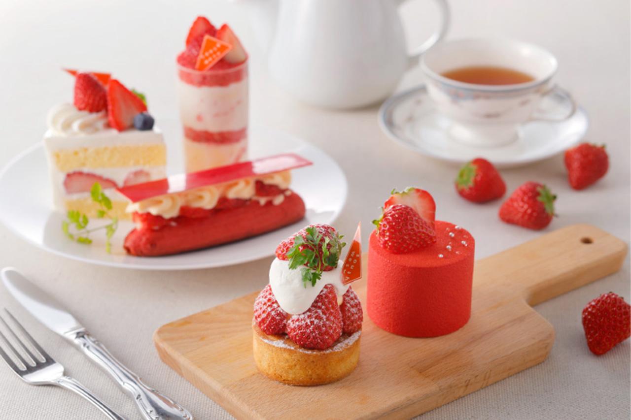 札幌東急REI ホテル1階のレストラン「サウスウエスト」テイクアウト専用苺と桜のロールケーキ