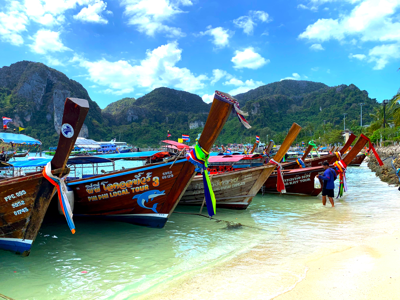 日本のガイドブックには載ってない!?タイのリゾート・ピピ島の魅力