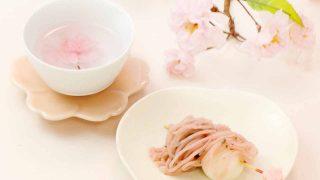 桜茶と桜あんつき白玉団子