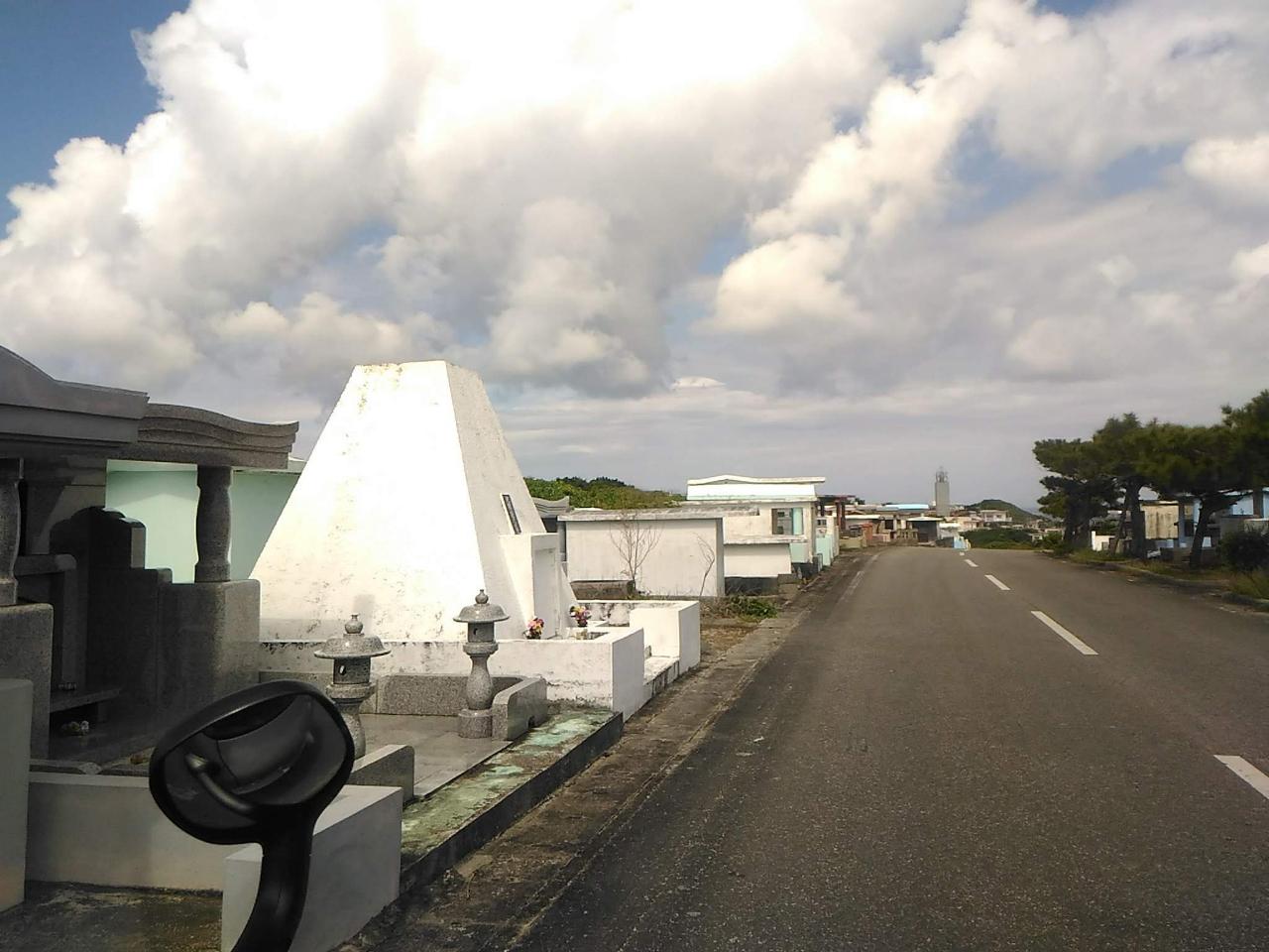 沖縄の家形墓
