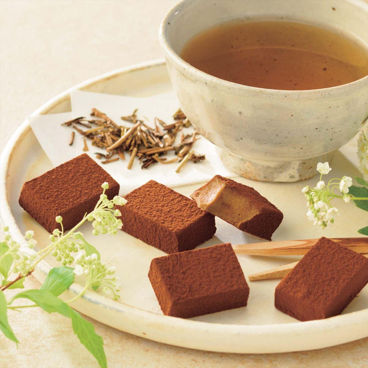 ストロベリーの甘い香り、ほうじ茶の香ばしさを感じる生チョコレート
