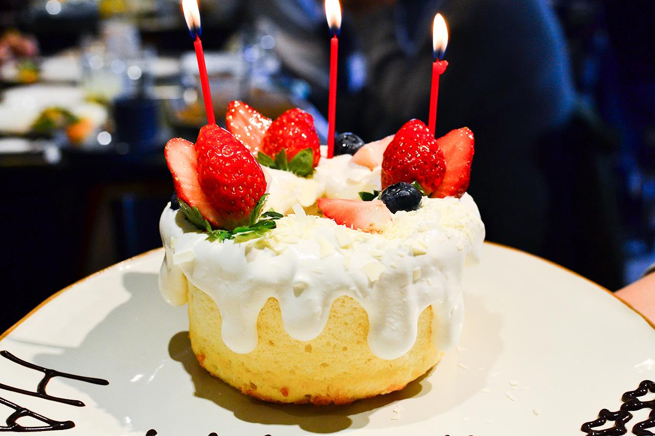 PEANUTS Cafe 誕生日コース バースデーケーキ