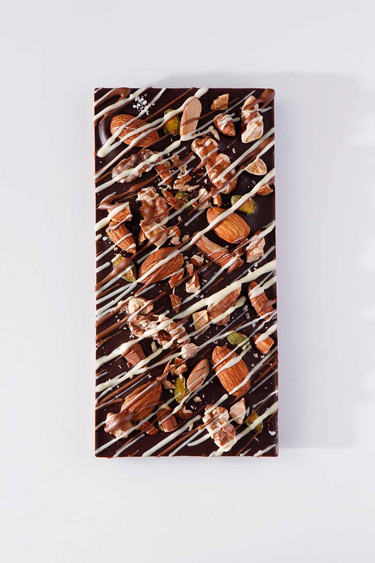 「ハンドクラフト タブレット チョコレート [アーモンド]」