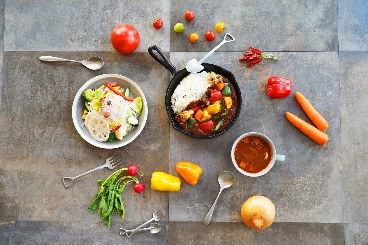 深谷野菜のカレーやスムージーを召し上がれ。埼玉・深谷の道の駅に新カフェ