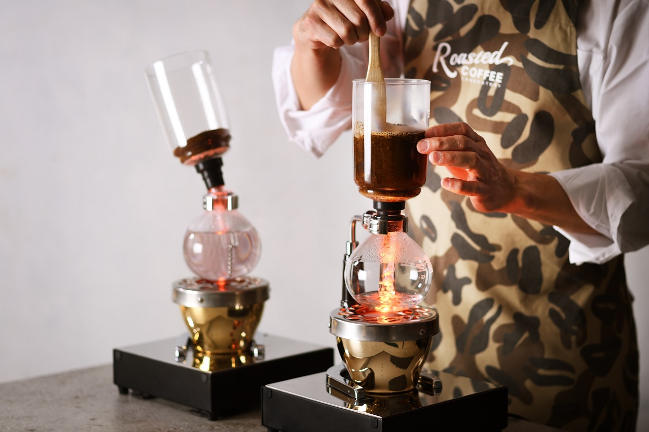 ハイランクな豆をサイフォンで丁寧に淹れるコーヒーショップ、青山にオープン