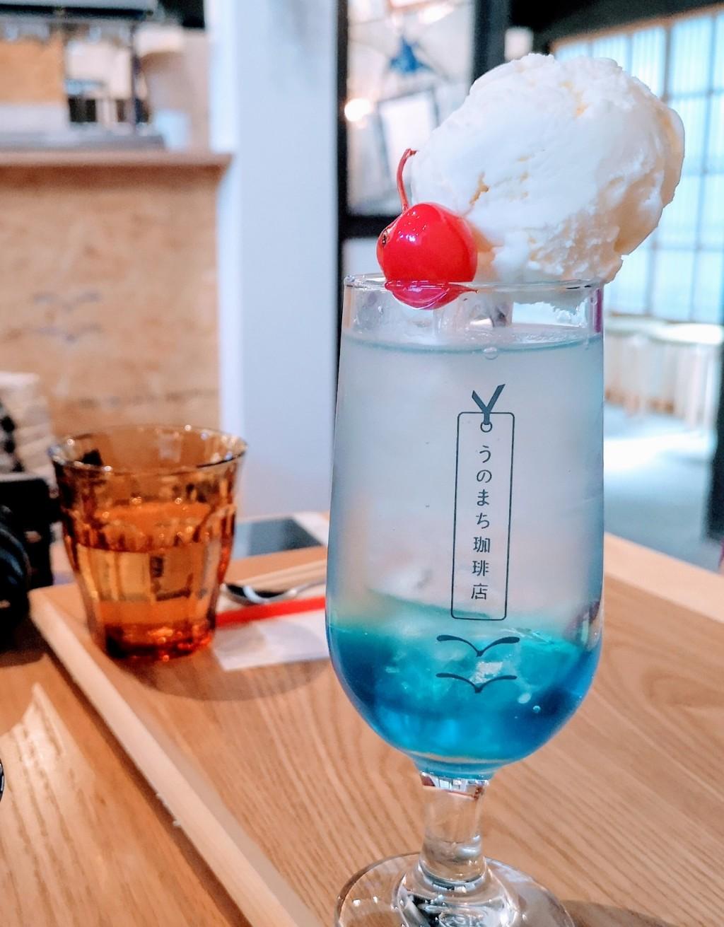 うのまち珈琲店奈良さんクリームソーダ