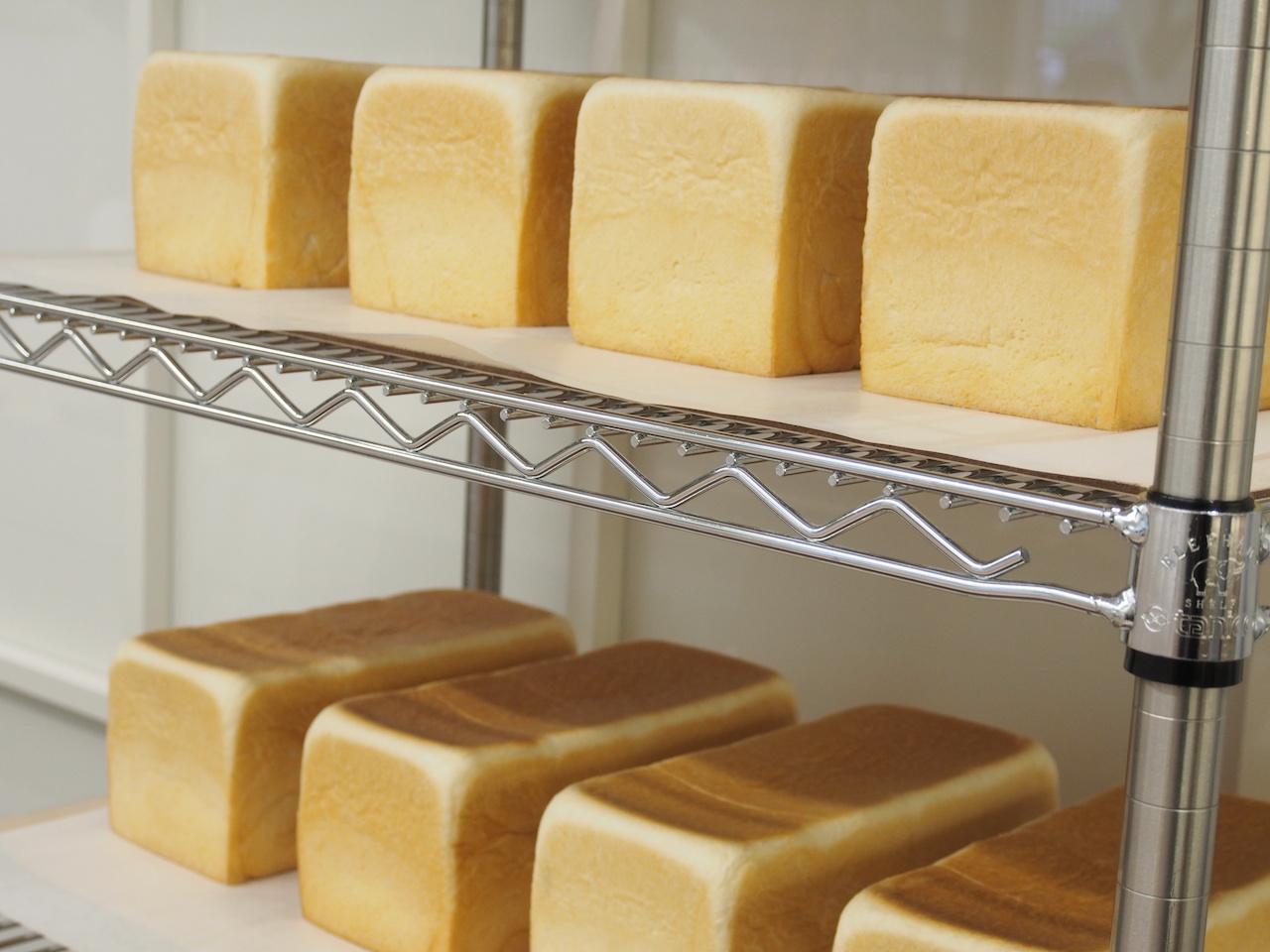 1日600本限定で販売される銀座に志かわの食パン
